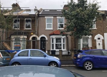 Thumbnail 6 bed property to rent in Oakdale Road, London