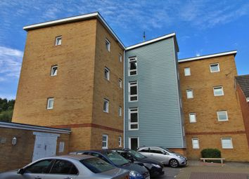 Thumbnail 2 bed flat for sale in Little Hackets, Havant