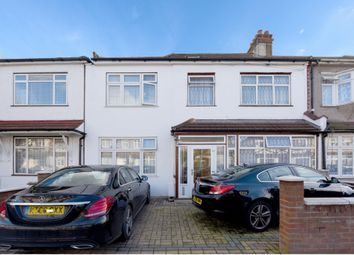 Thumbnail Serviced flat for sale in Hampton Road, Ilford