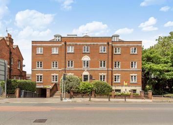 Thumbnail 2 bedroom flat for sale in Reading, Berkshire