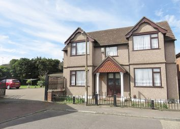 Thumbnail 5 bed detached house to rent in Crescent Avenue, Grays