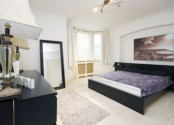 Thumbnail 2 bedroom flat to rent in Clarence Gate Gardens, London