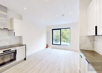 2 bed property to rent in Second Avenue, London NW4