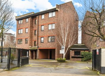 Thumbnail 2 bedroom flat for sale in Maltings Place, London