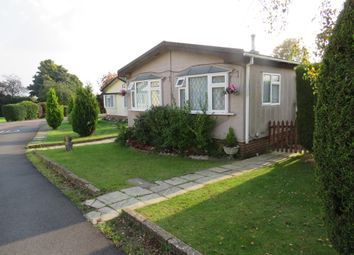 Thumbnail 2 bed mobile/park home for sale in Shaftesbury Way, Kings Langley
