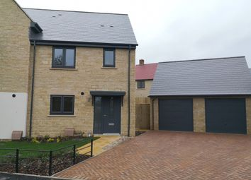 3 bed semi-detached house for sale in Edgehill Close, Carterton OX18