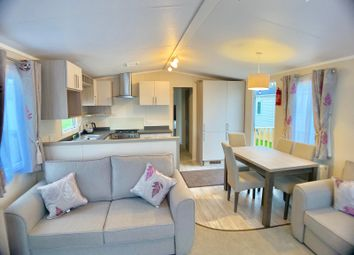 3 bed mobile/park home for sale in Crow Lane, Gt Billing NN3