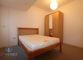 Thumbnail 1 bed flat to rent in Streatham High Road, London