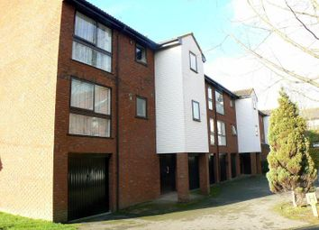Thumbnail 1 bedroom flat to rent in Laleham Road, Shepperton