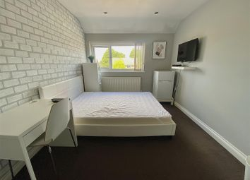 Thumbnail Room to rent in Summers Road, Luton