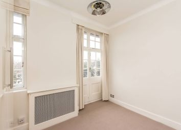 Thumbnail 4 bedroom flat to rent in Grove End Road, St John's Wood