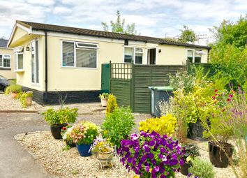Thumbnail Mobile/park home for sale in Thameside Court, Northmoor, Witney