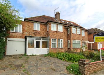 4 bed property for sale in Mowbray Road, Edgware HA8