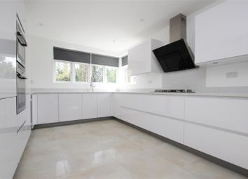 2 bed flat to rent in White Orchards, Uxbridge Road, Stanmore HA7