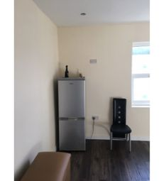 Thumbnail Studio to rent in Green Lane, Bordesley Green, Birmingham, 5Dh.