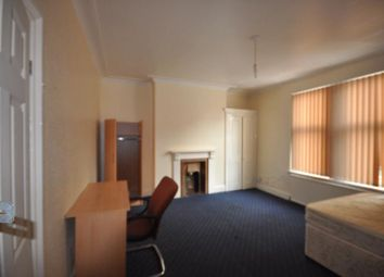 Thumbnail 5 bedroom property to rent in Chestnut Avenue, Hyde Park, Leeds