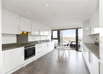 Thumbnail 1 bedroom flat for sale in Metropolitan Court, High Road, London