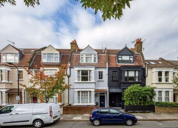 Thumbnail 1 bed flat for sale in Shinfield Street, London
