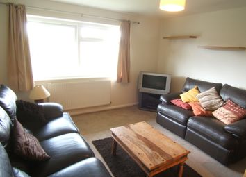Thumbnail 1 bed flat to rent in Wendover Court, Staines-Upon-Thames, Middlesex