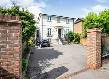 Portsmouth Road, Esher, Surrey KT10. 3 bed flat