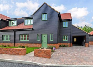 Chiltern Hills Close, Tring, Hertfordshire HP23. 4 bed semi-detached house