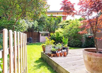 4 bed flat for sale in Stile Hall Gardens, London W4