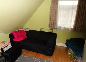 Thumbnail 3 bed flat to rent in Cyncoed Road, Cardiff, Cyncoed