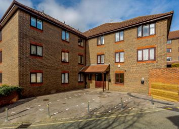 2 bed flat for sale in Primrose Hill, Brentwood CM14