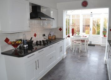 Thumbnail 4 bed detached house for sale in Yardley Park Road, Tonbridge