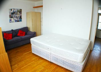 Thumbnail Room to rent in Farjeon, Finchley