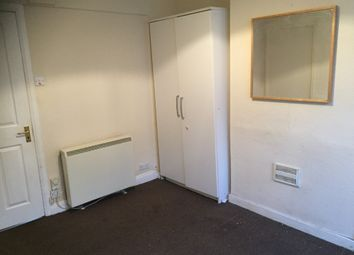 Thumbnail 1 bed flat to rent in Granville Street, Kettering