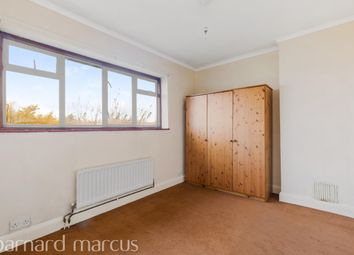 Thumbnail 3 bed flat to rent in East Street, Epsom