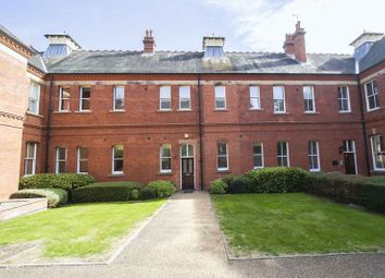Thumbnail 2 bedroom flat to rent in Richmond Drive, Woodford Green