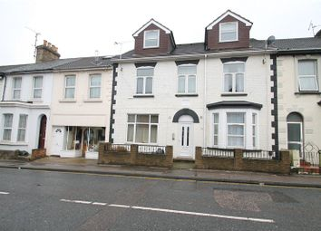 1 bed flat to rent in Canterbury Street, Gillingham, Kent ME7
