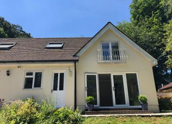 Thumbnail 1 bed flat to rent in Lunghurst Road, Woldingham, Caterham
