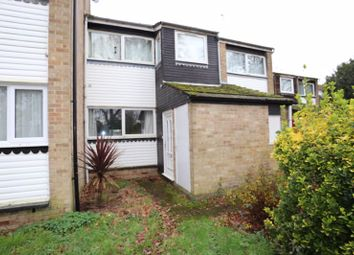 Thumbnail 2 bedroom flat for sale in Wallace Close, Woodley, Reading