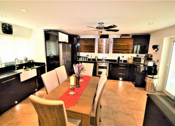 Thumbnail 5 bed property to rent in Hazelwood, Loughton