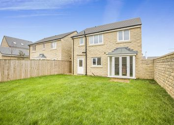 Thumbnail 4 bed detached house for sale in Kingsbrooke Drive, Elland