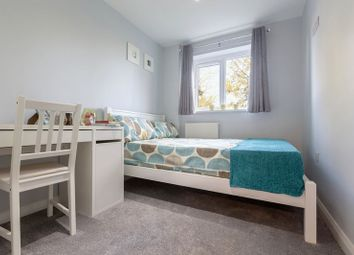 Thumbnail Property to rent in Downs Road, Luton