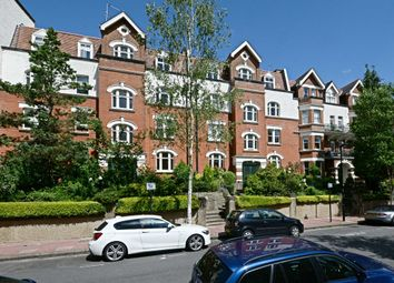 Thumbnail 3 bedroom flat to rent in Honeybourne Road, London