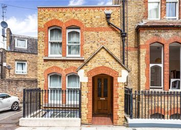 Thumbnail 3 bed flat to rent in Oakley Crescent, London