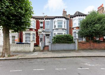 Thumbnail 2 bed flat to rent in Tunley Road, London