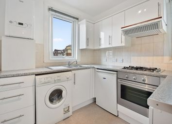 2 bed maisonette to rent in Finchley Road, London NW2
