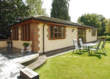 Thumbnail 2 bed bungalow to rent in Lutmans Haven, Knowl Hill, Reading
