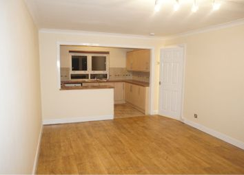 3 bed flat to rent in Elizabethan Way, Renfrew PA4