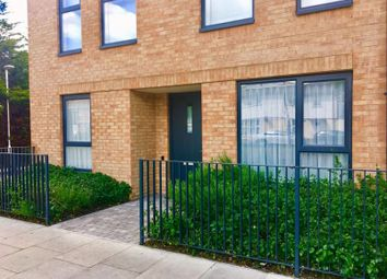 Ruislip Road, Greenford UB6. 3 bed flat for sale