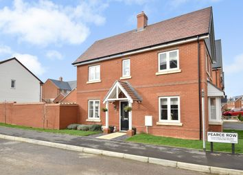 3 bed detached house for sale in Pearce Row, Botley, Southampton SO32