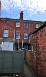 Thumbnail 3 bed flat to rent in Richmond Road, Malvern