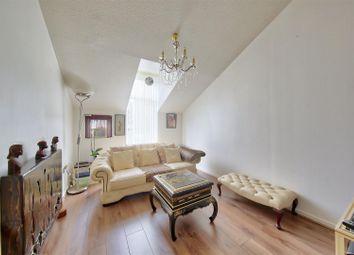 Evesham Walk, Myatts Fields South, London SW9. 1 bed flat