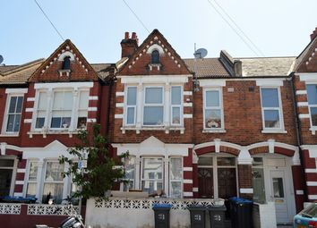 3 bed maisonette to rent in Tynemouth Road, Mitcham CR4